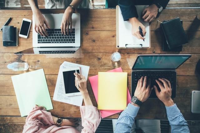 プロが教えるオウンドメディアの始め方!成功へのコツと大事なポイント | Web幹事